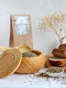 Organic_whole_hemp_seeds_lt_live-225x300 (kanapiu baltymai, kanapiu aliejus, kanapiu proteinas)